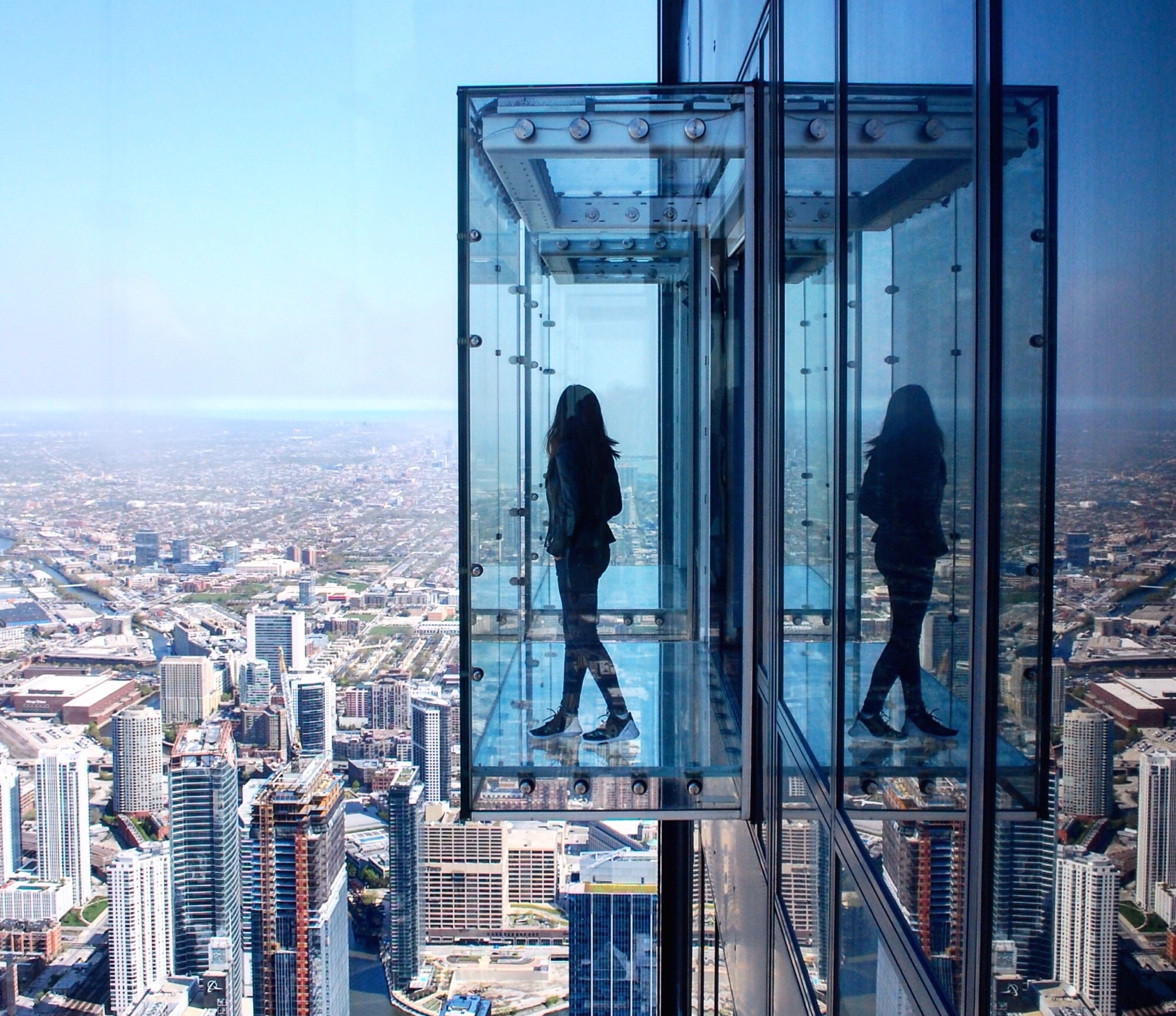 Plan a tour of Chicago's most iconic architecture with a charter bus rental.