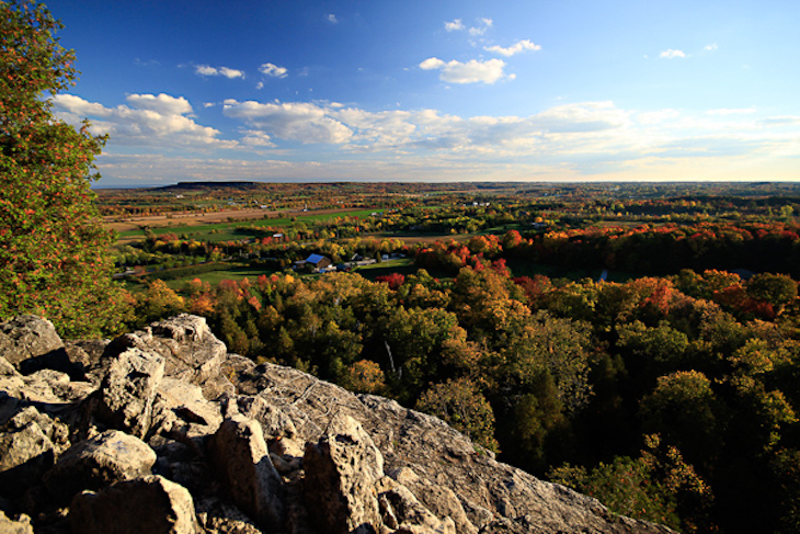 Rent a Toronto charter bus to Rattlesnake Point for hiking.