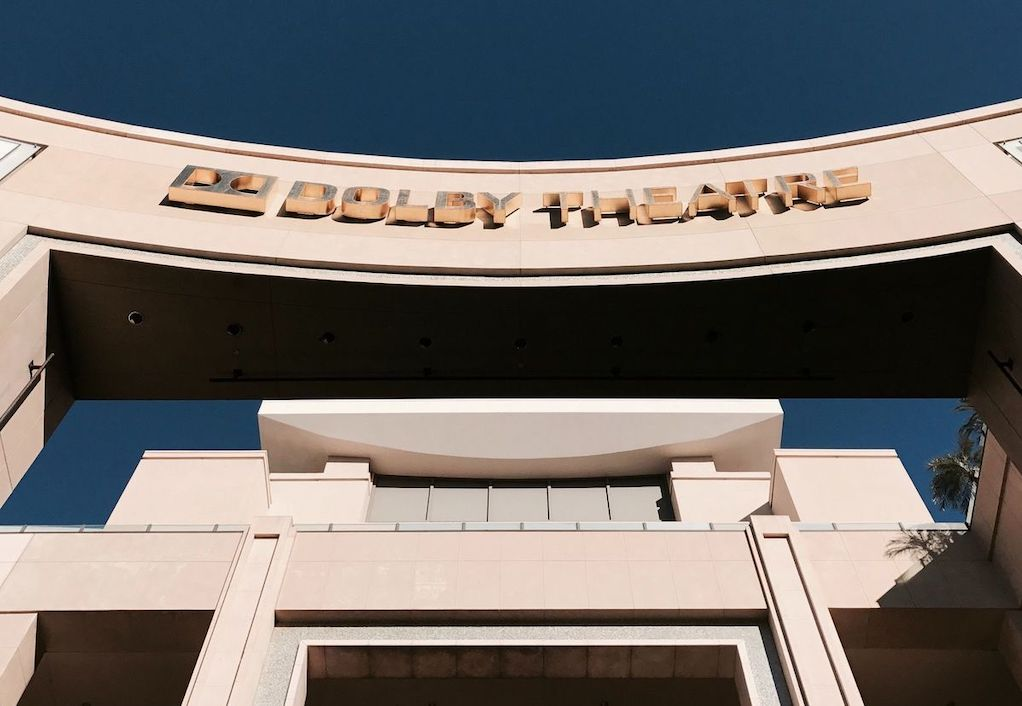 Rent a charter bus in Los Angeles to the Dolby Theatre