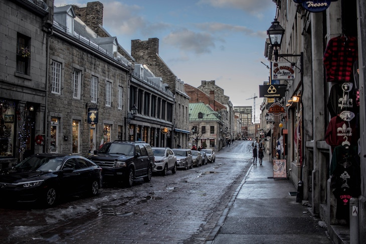 Rent a charter tour bus to Old Montreal.
