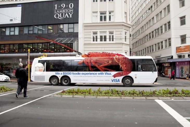 Visa Wellington on a Plate Festival's lobster bus wrap ad was a genius way to create festival hype!