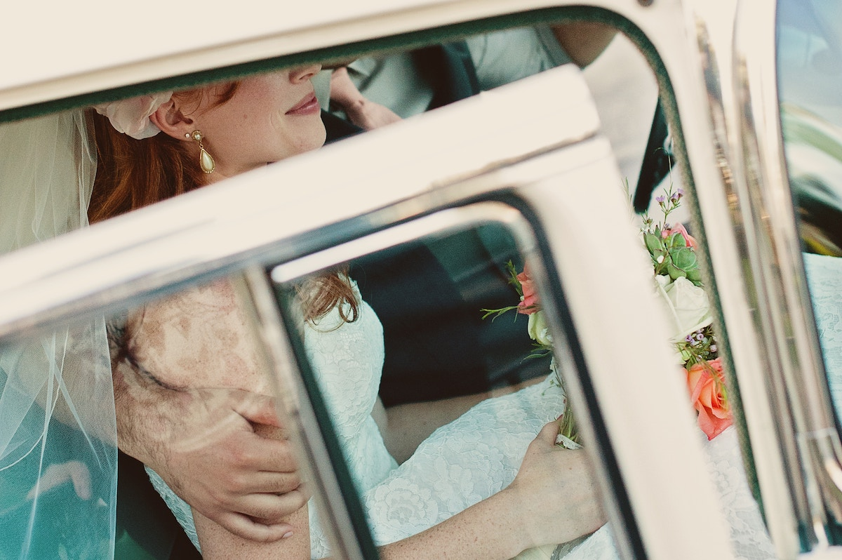 How to Decorate Your Wedding Bus Rental