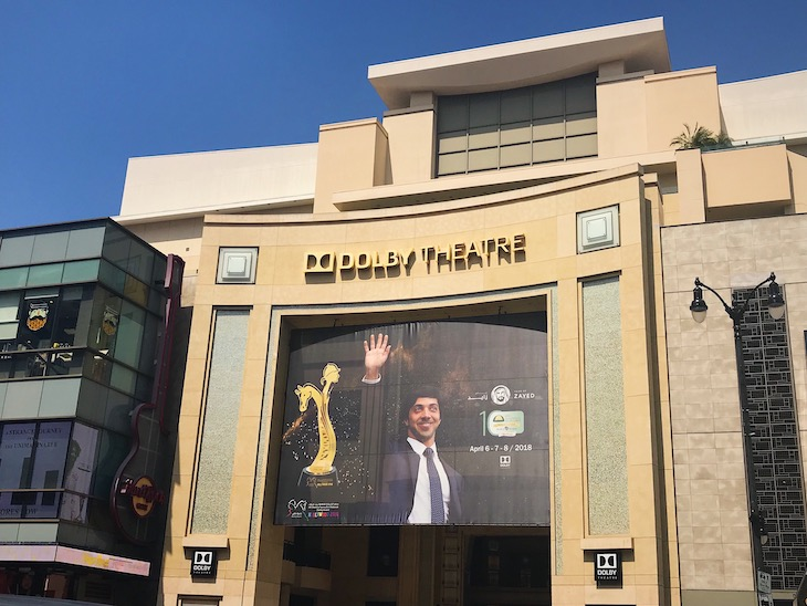 Rent a charter bus from LAX to Dolby Theatre.