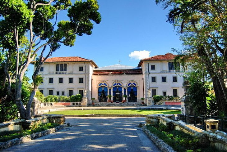Rent a Miami charter bus to Vizcaya Museum & Gardens