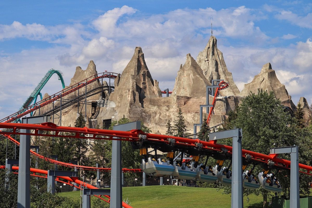 Theme Parks Around Toronto to Visit This Summer
