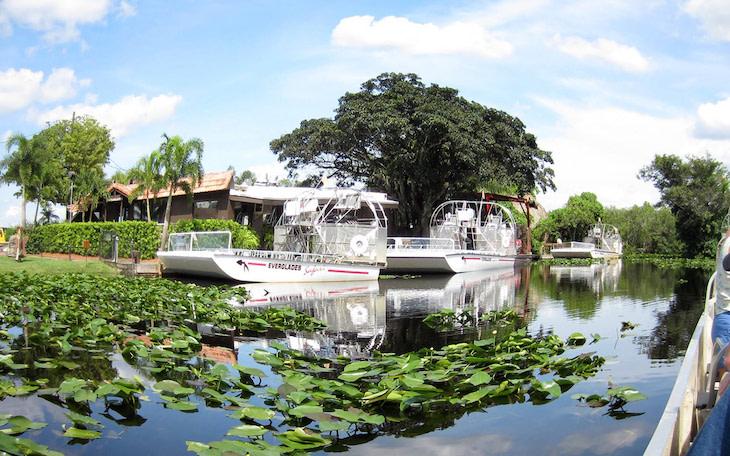 Miami charter bus rentals to Everglades Safari Park.