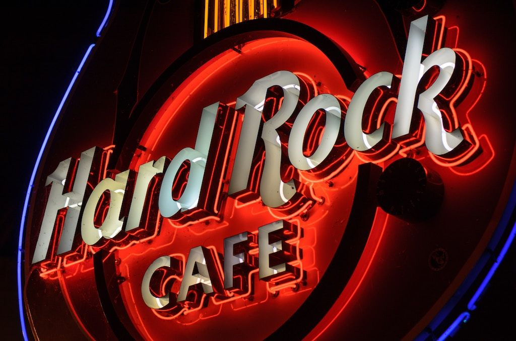 Charter a bus to Hard Rock Cafe