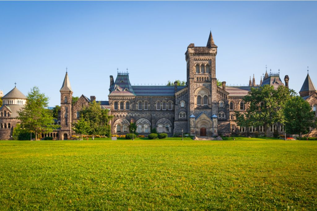 Charter a bus to University of Toronto