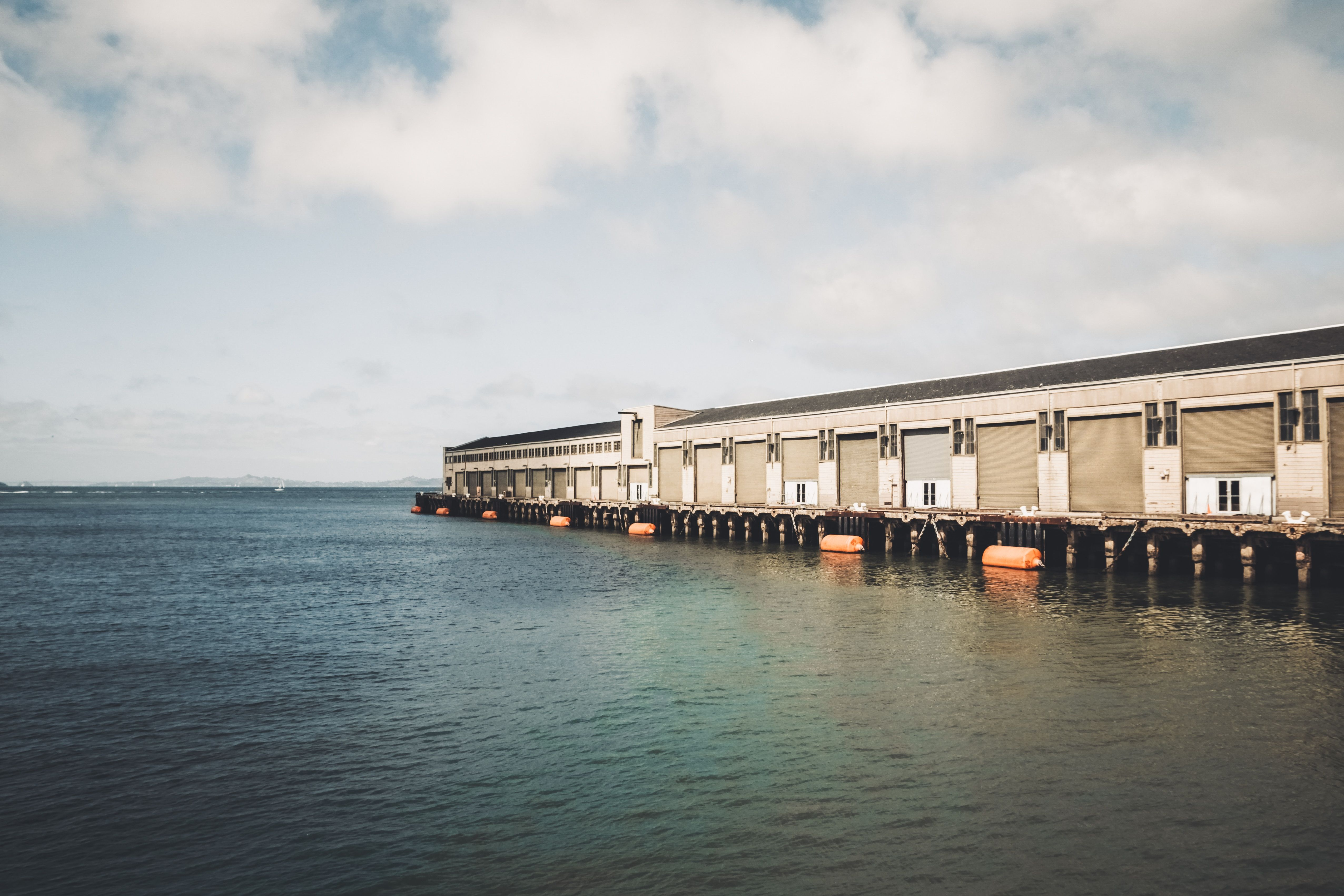 Charter a bus to Pier 39