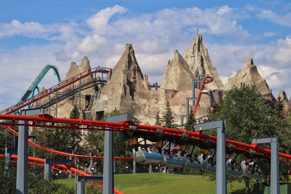 Charter a bus to Canada's Wonderland