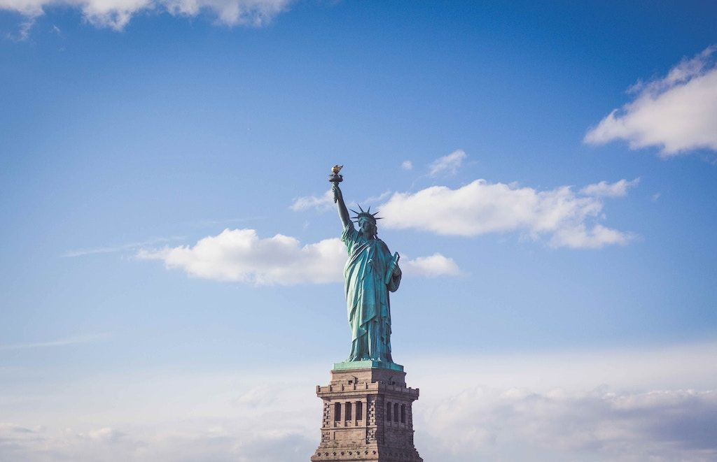 Charter a bus to Statue of Liberty