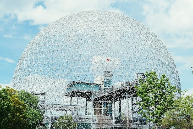 Charter a bus to Biosphere