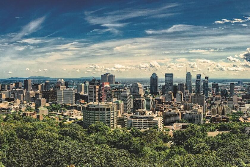 Charter a bus to Mont Royal