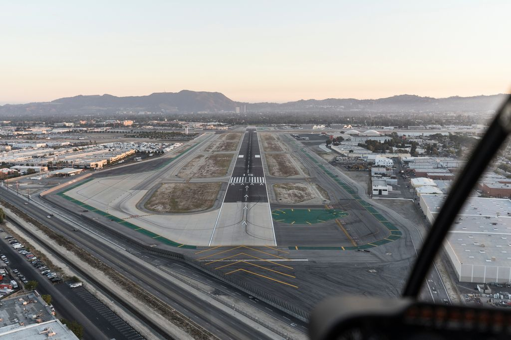 Charter a bus to Hollywood-Burbank Airport