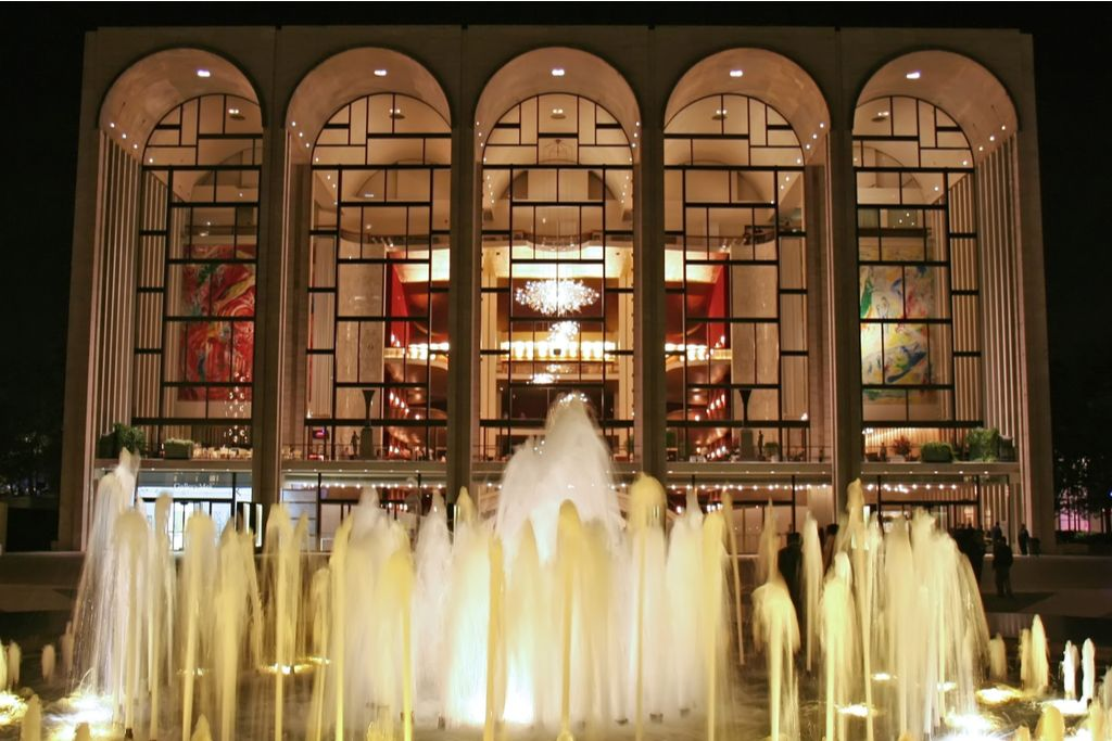 Charter a bus to Lincoln Center