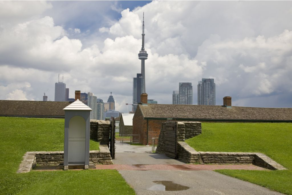 Charter a bus to Fort York
